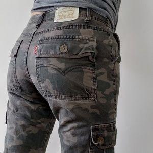 Levi's camo cargo slim skinny jeans pants